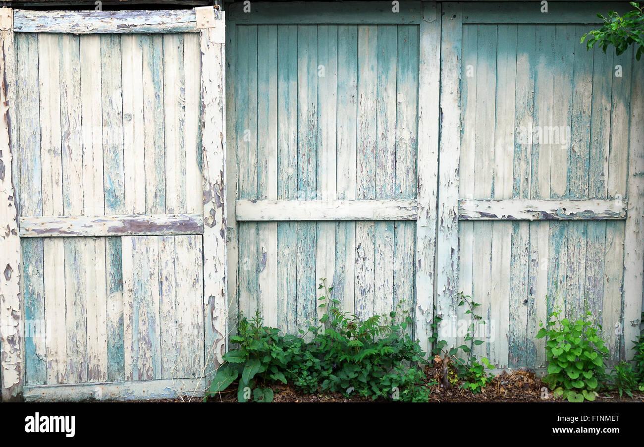 Vieille Porte En Bois Coulissante ancienne porte coulissante portes de grange banque d'images