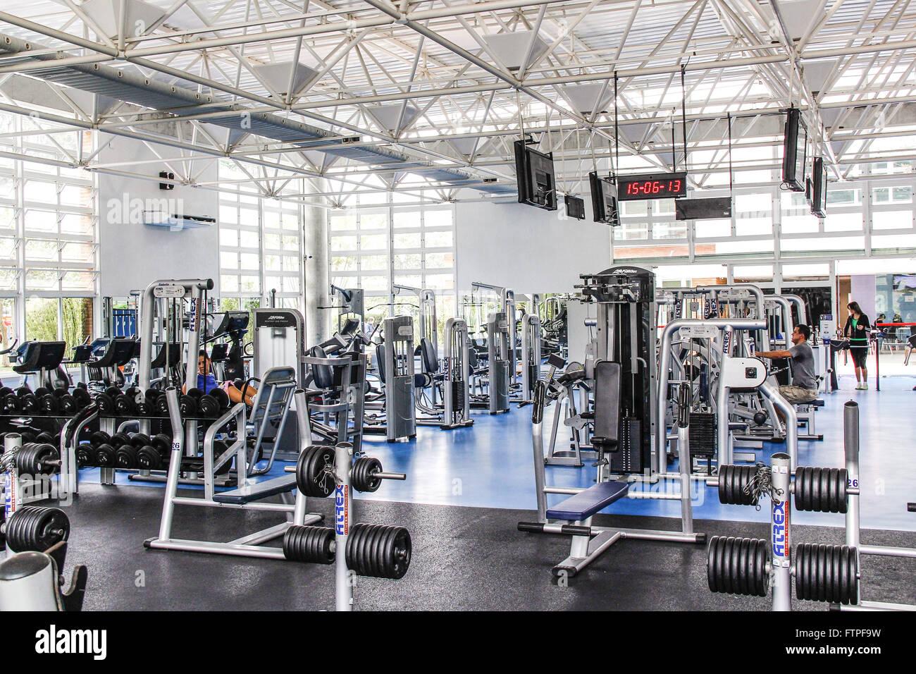 L'intérieur de l'équipement de musculation fitness Banque D'Images
