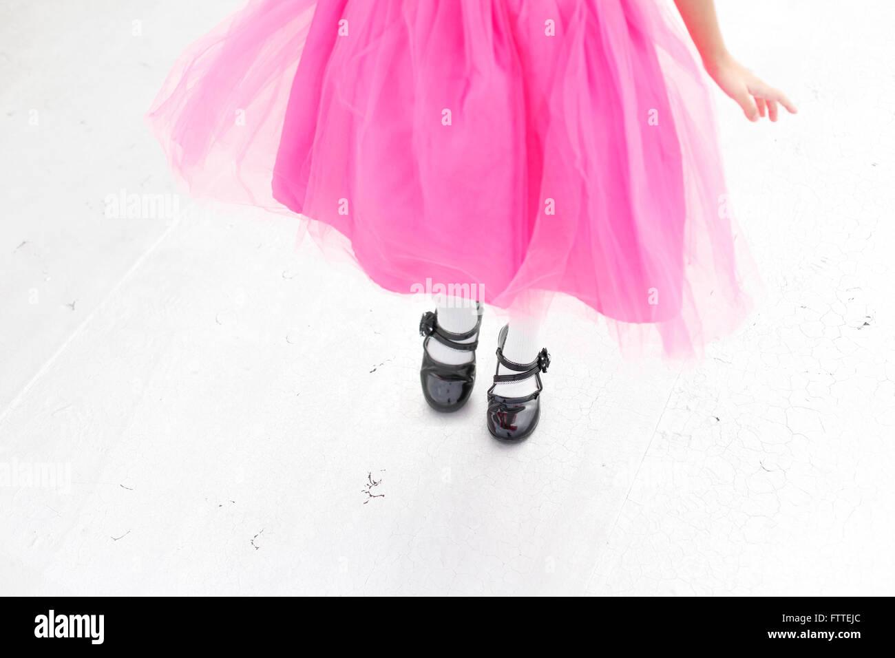 Fille asiatique en robe rose Photo Stock