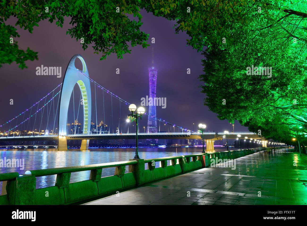 Guangzhou, Chine river d'horizon. Banque D'Images