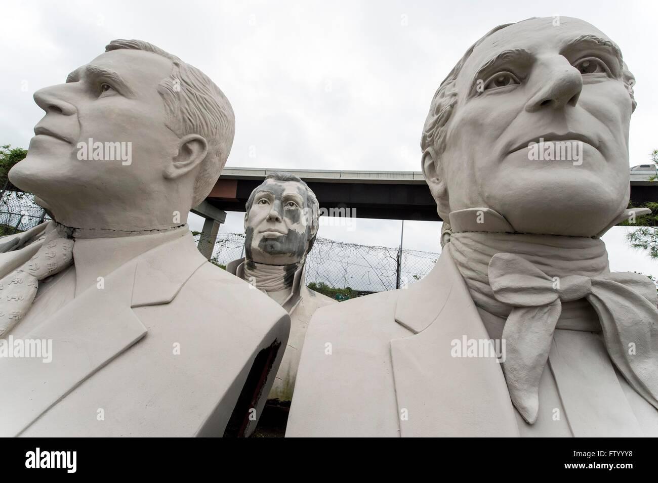 30 mars 2016 - Houston, Texas, États-Unis - chefs présidentielle par le sculpteur David Adickes sont stockés à l'Sculpturworx Adickes Studio jusqu'à une époque où une maison permanente soit trouvée pour eux.(Image Crédit: © Brian Cahn via Zuma sur le fil) Banque D'Images