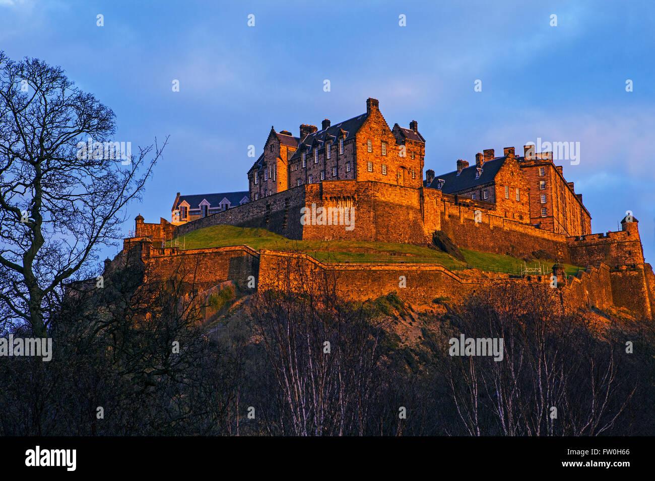 Une vue sur le magnifique château d'Édimbourg en Écosse. Photo Stock