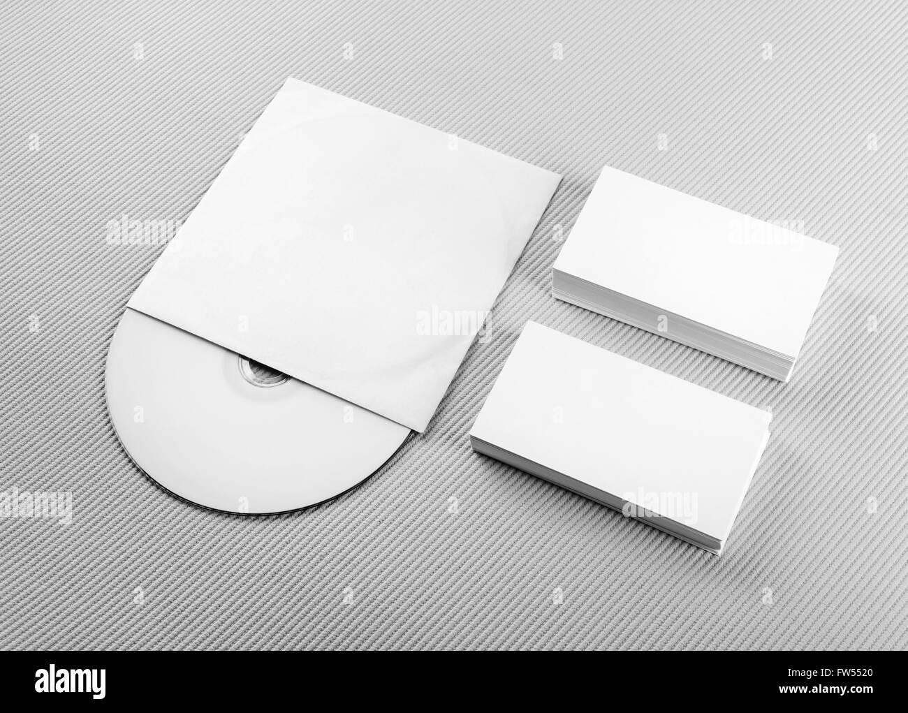 Les Cartes De Visite Et CD Vierges Sur Fond Gris Pour Concevoir Des Presentations Portefeuilles Lidentite Marque La Maquette