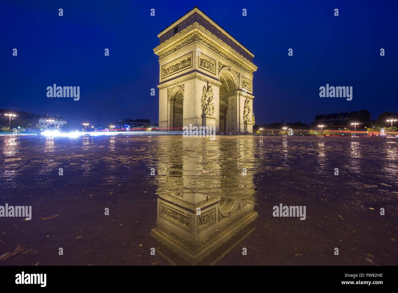 Arc de Triomphe de nuit Photo Stock