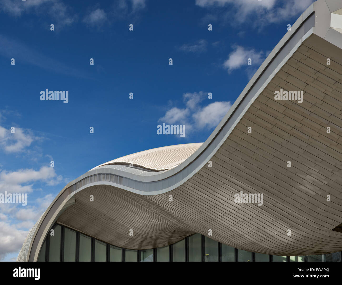 La gare routière de Slough conçu par Architecture Bblur Photo Stock