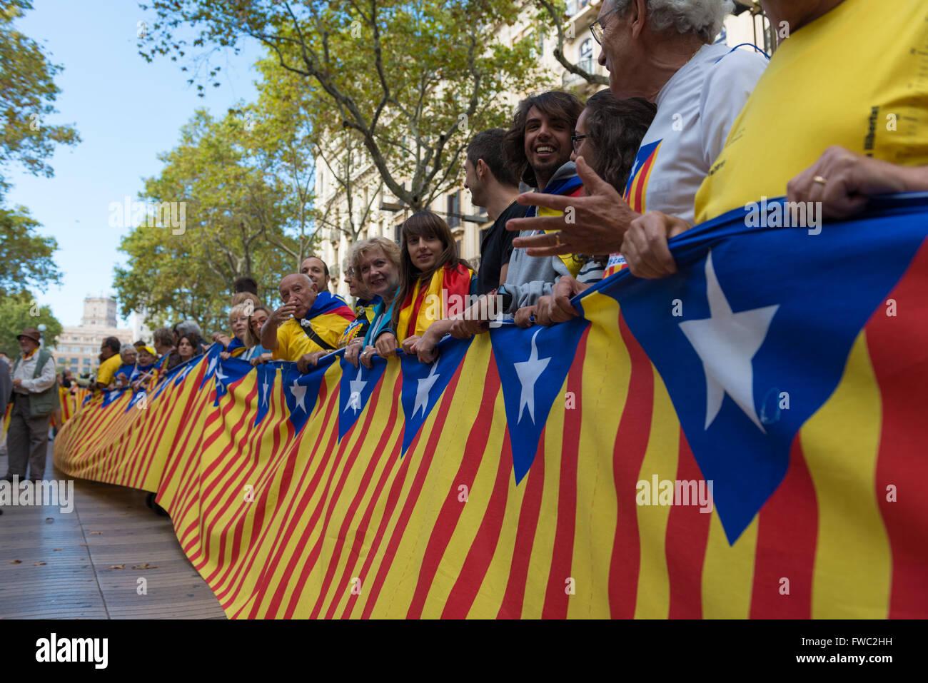 Le drapeau au long de la Journée nationale de la Catalogne à Barcelone Photo Stock