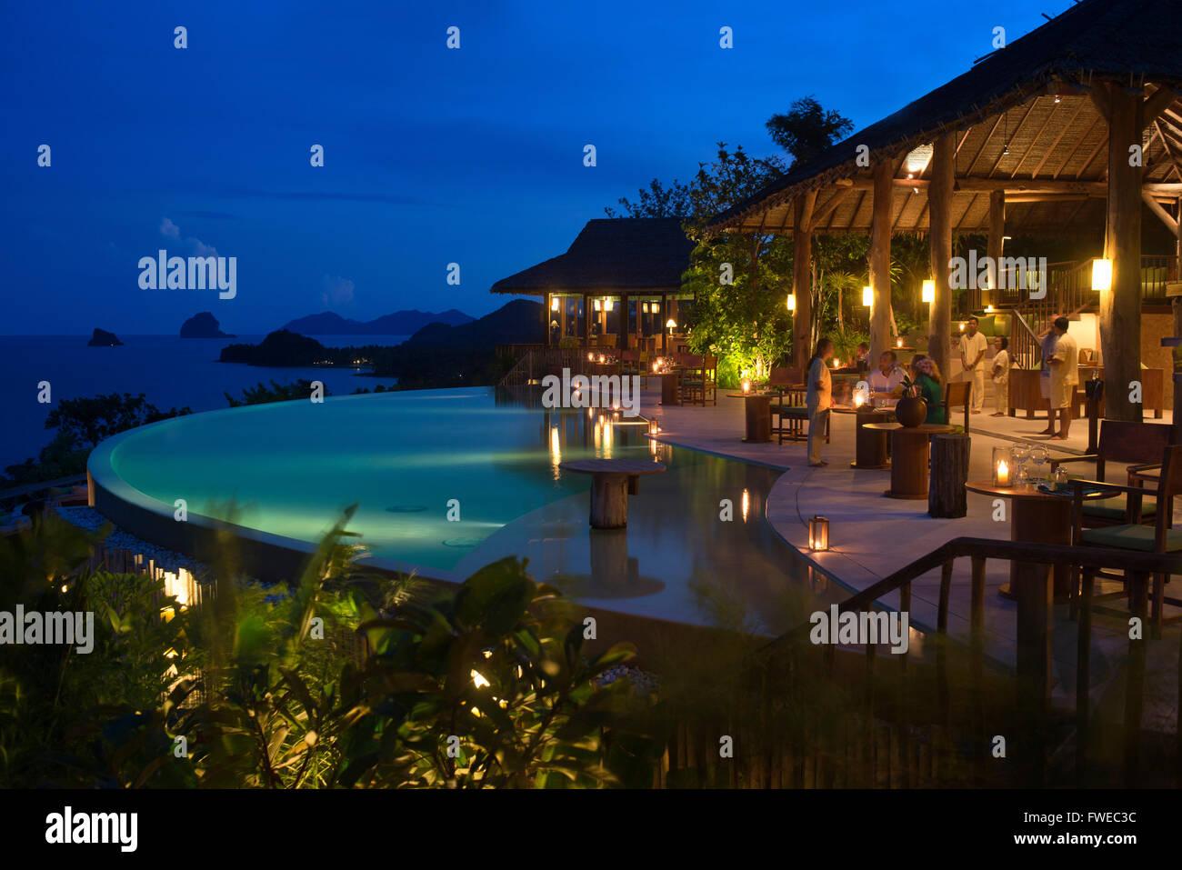 Six Senses Resort, Koh Yao Noi, Phang Nga Bay, en Thaïlande, en Asie. Restaurant près de la piscine appelée Photo Stock