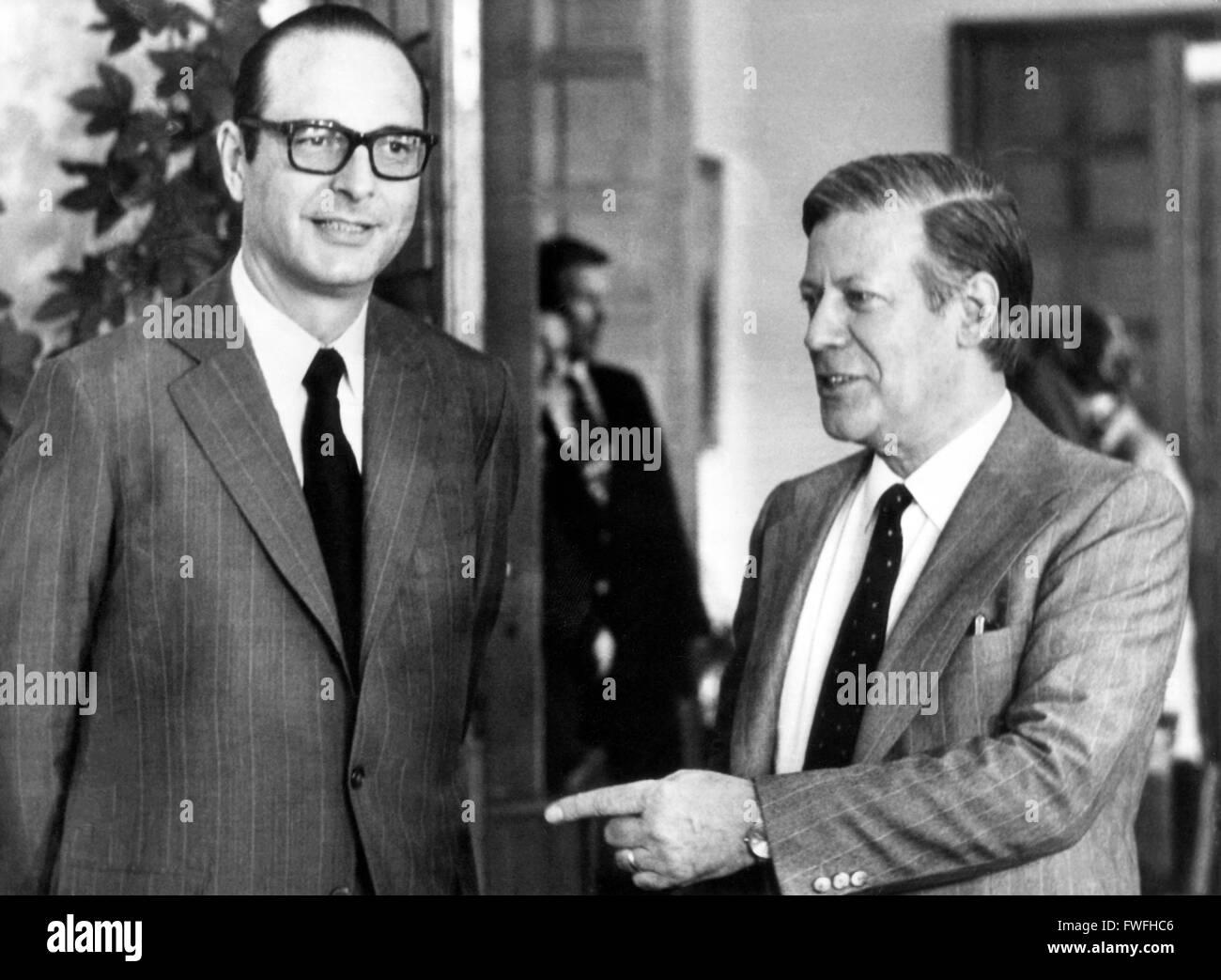 Le premier ministre français Jacques Chirac (g) et le chancelier allemand Helmut Schmidt (r) le 9 août 1974 à Bonn - consultations franco-allemandes. Banque D'Images