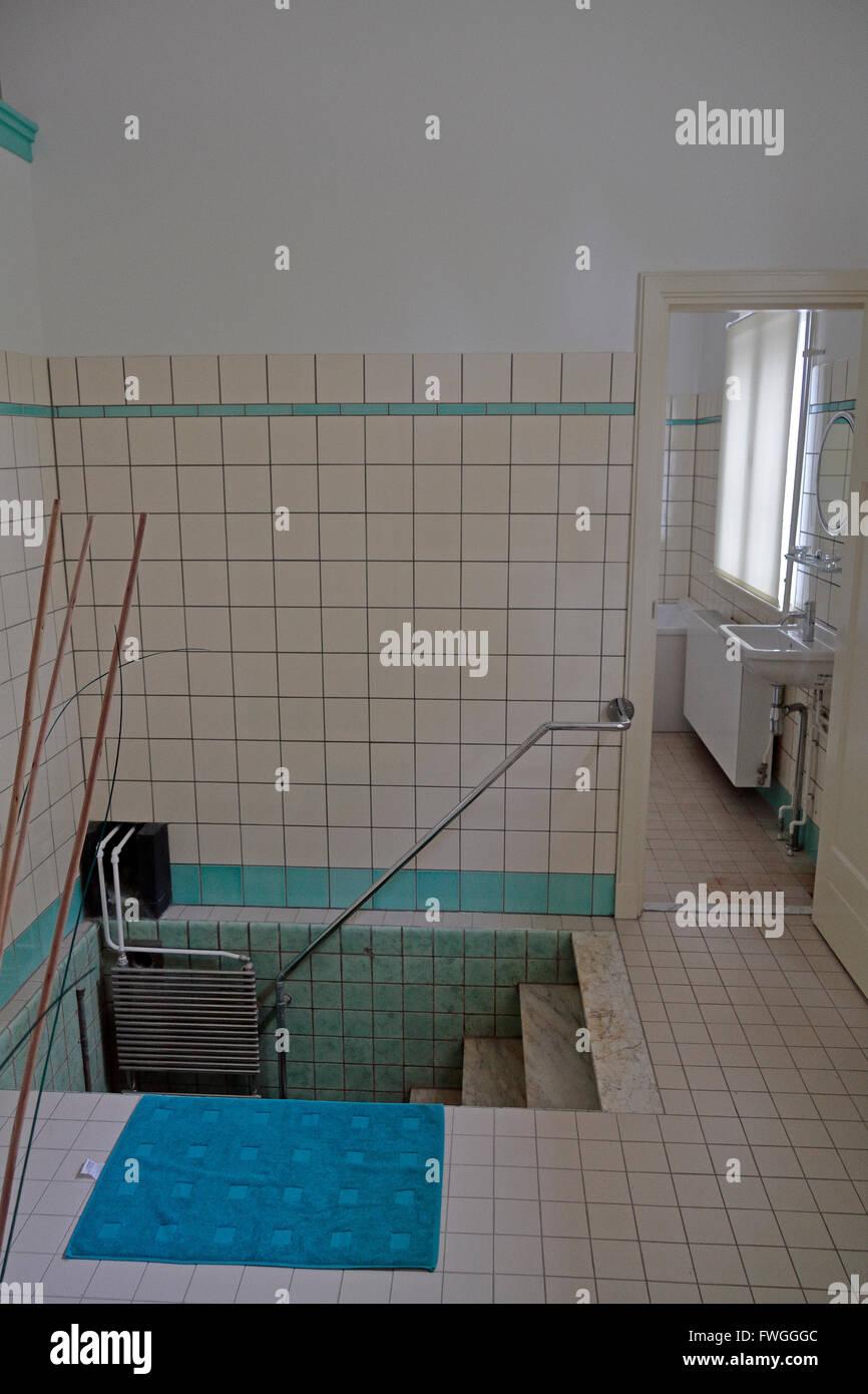 L'ancienne baignoire Mikve (purification rituelle) dans la Synagogue Portugaise, Amsterdam, Pays-Bas. Photo Stock