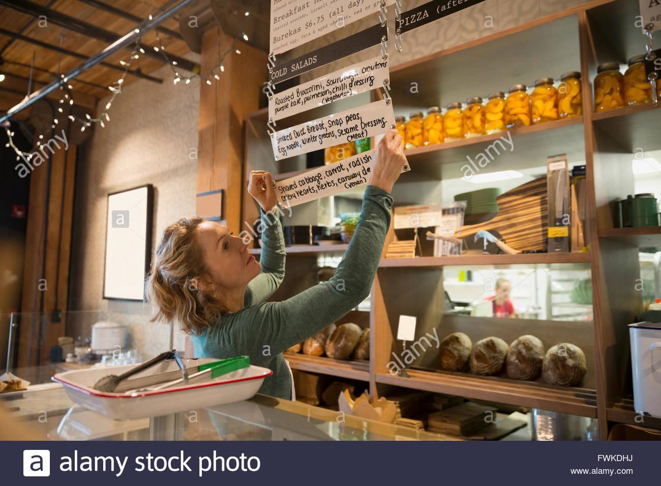 Propriétaire de boulangerie menu suspendu Photo Stock