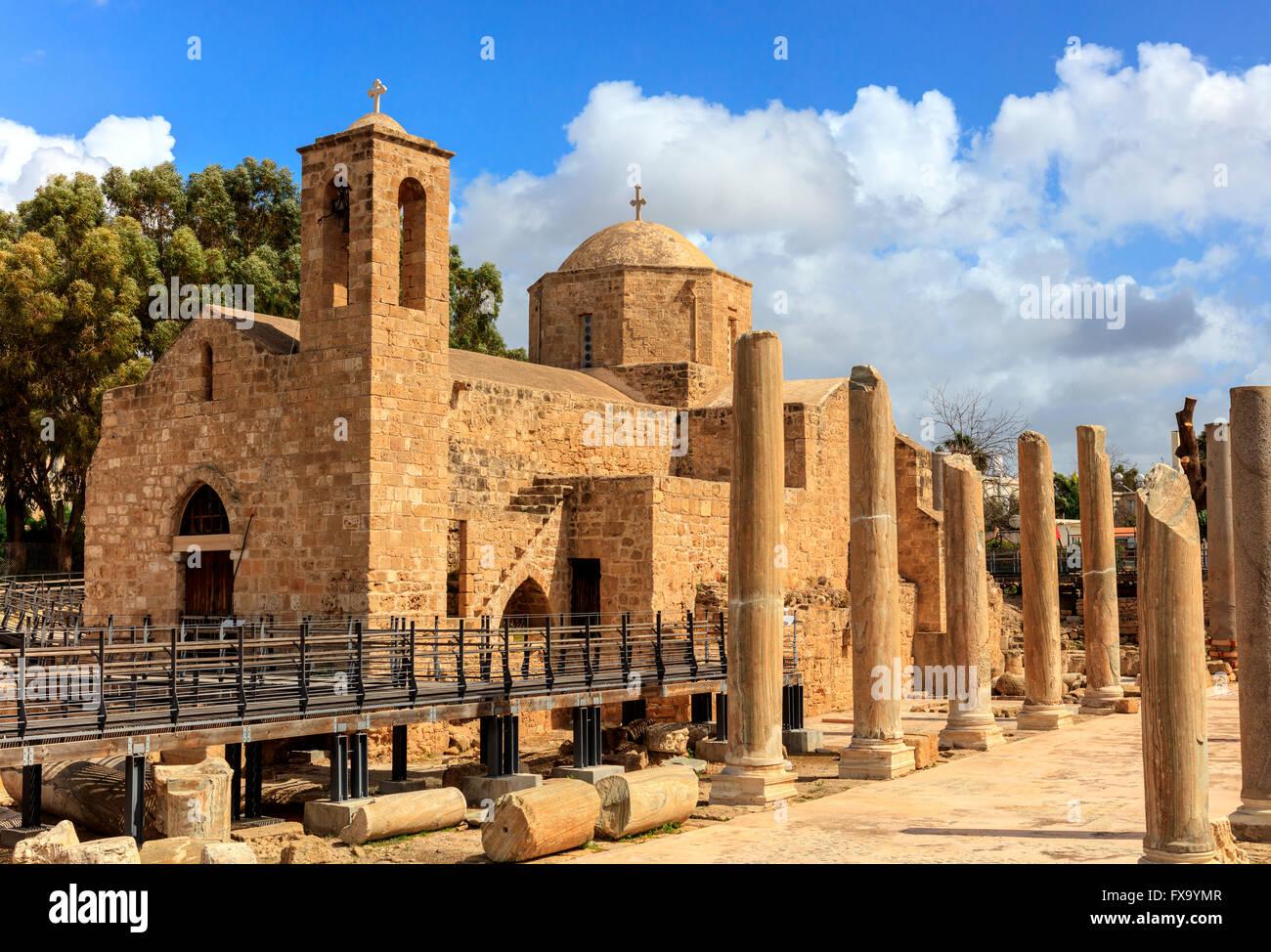L'eglise Panagia Chrysopolitissa construite sur les ruines de la plus grande basilique byzantine précoce. Photo Stock