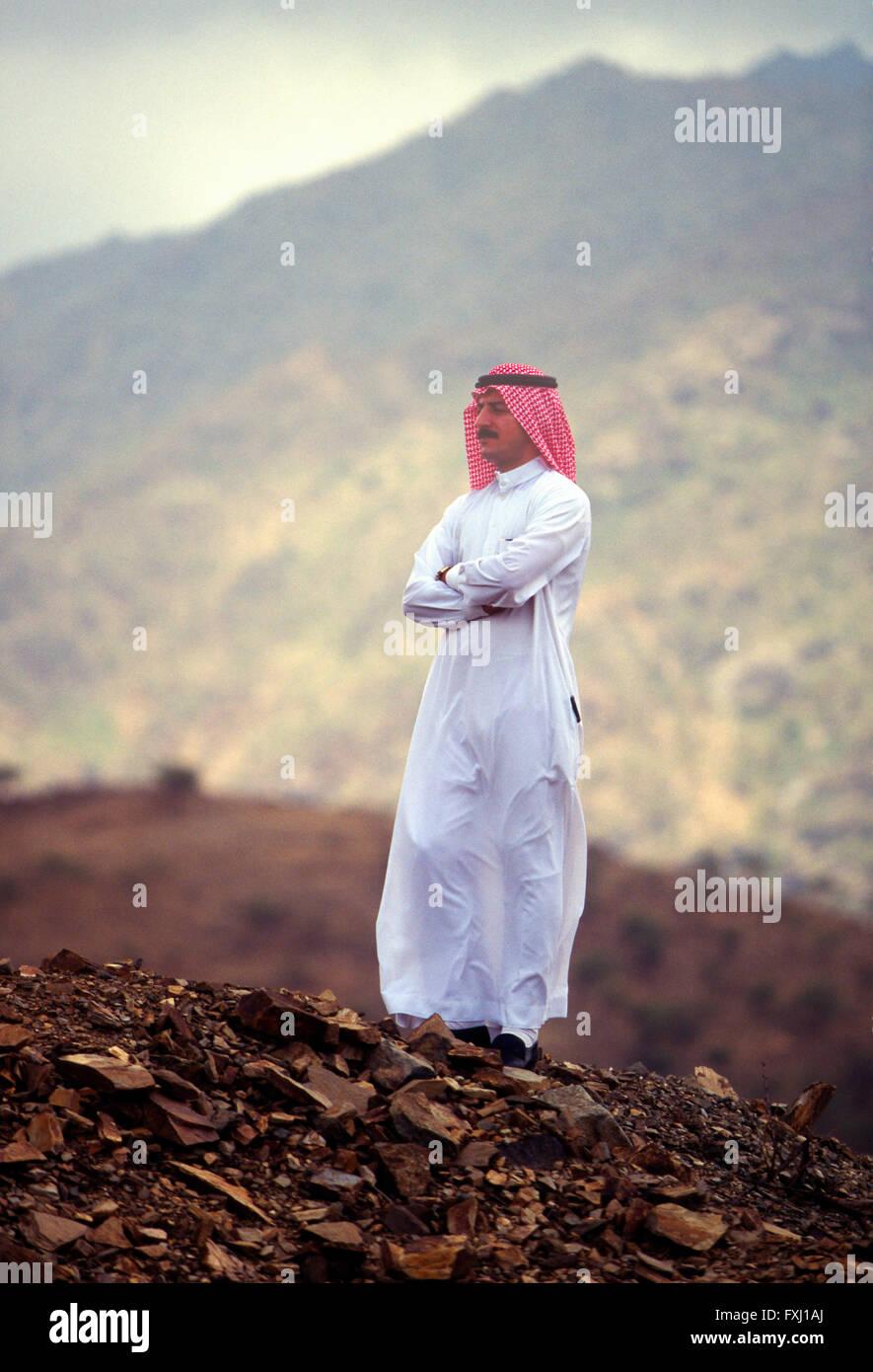 Portrait extérieur des Etats arabes homme portant des vêtements traditionnels; la région d'Asir, Photo Stock