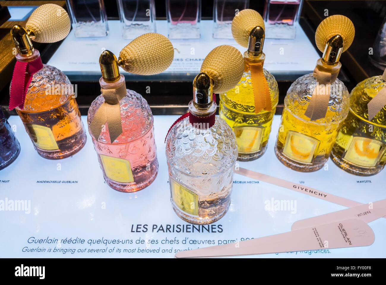 Dans Luxe Magasins De L'intérieur Les ParisFranceÀ Français 1KcFlJ