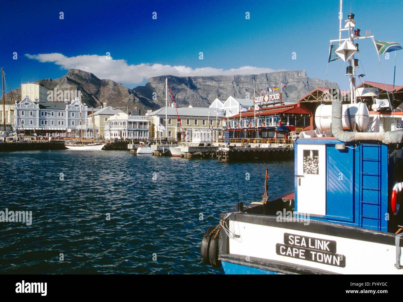 Aperçu de la ville du Cap et de port; La montagne de la table, péninsule du Cap, Afrique du Sud Photo Stock