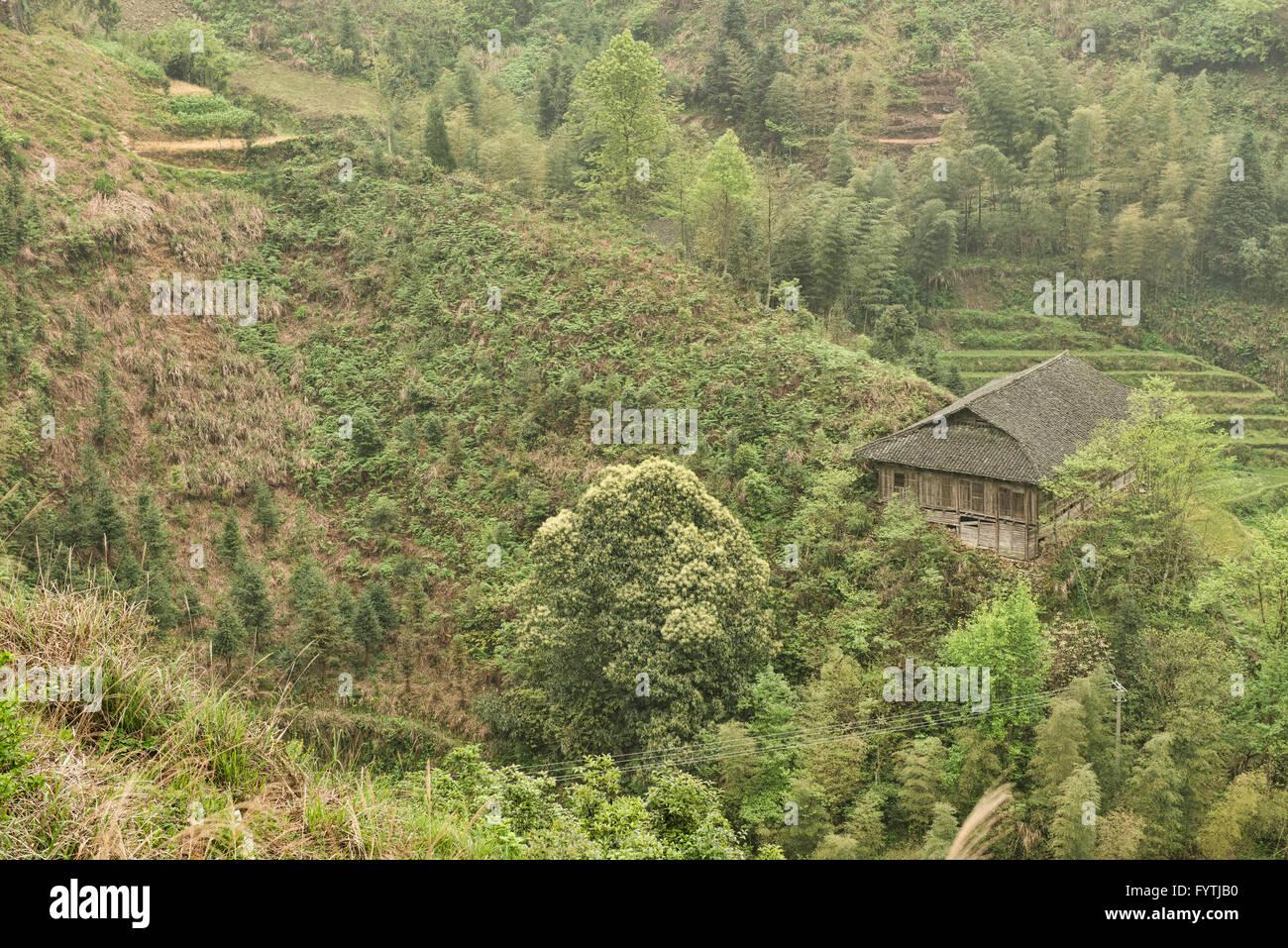 Maison traditionnelle de la minorité Yao Ping'An, près de la région autonome du Guangxi, Chine Photo Stock