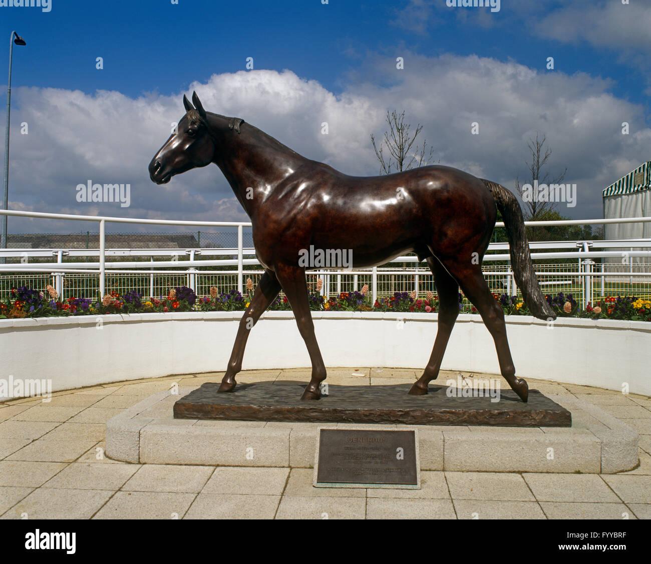 Le cheval de course généreuse à la tribune en Statue Epsom Downs, Surrey, UK. Photo Stock