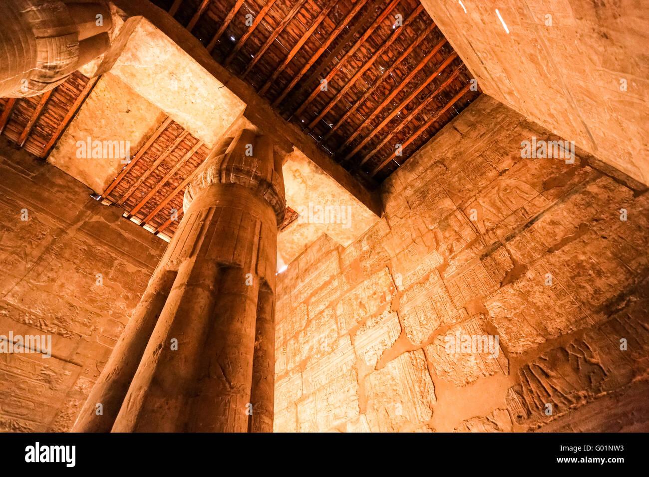 Temple de Louxor de nuit, la ville de Louxor, Egypte Photo Stock