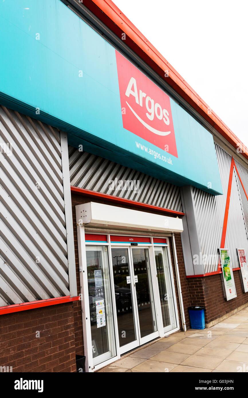 Catalogue Argos enseigne magasin détaillant nom logo extérieur UK Angleterre catalogue magasins de détail Photo Stock
