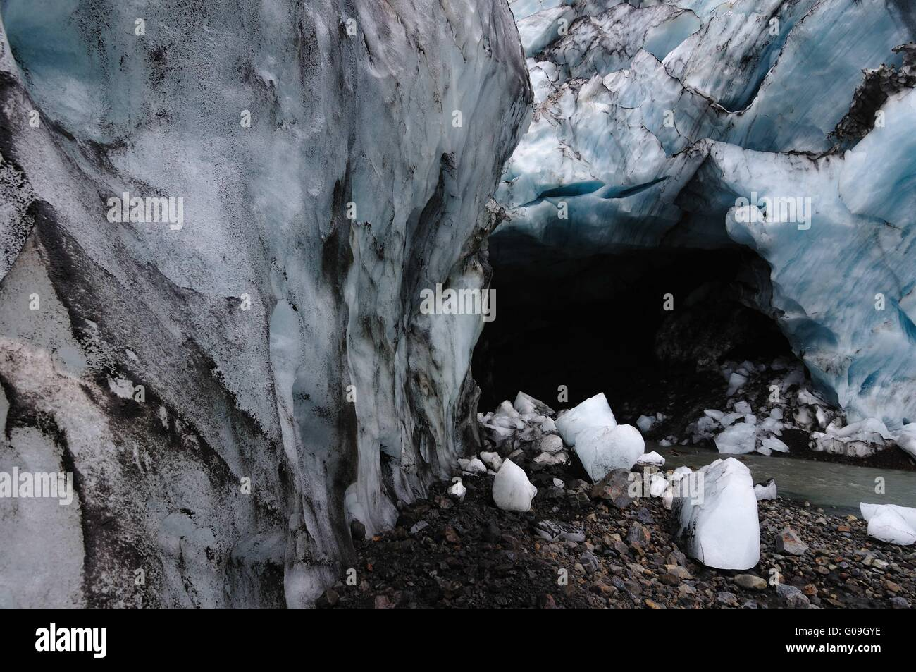 Grotte du glacier à Kverkfjoll, Islande Photo Stock