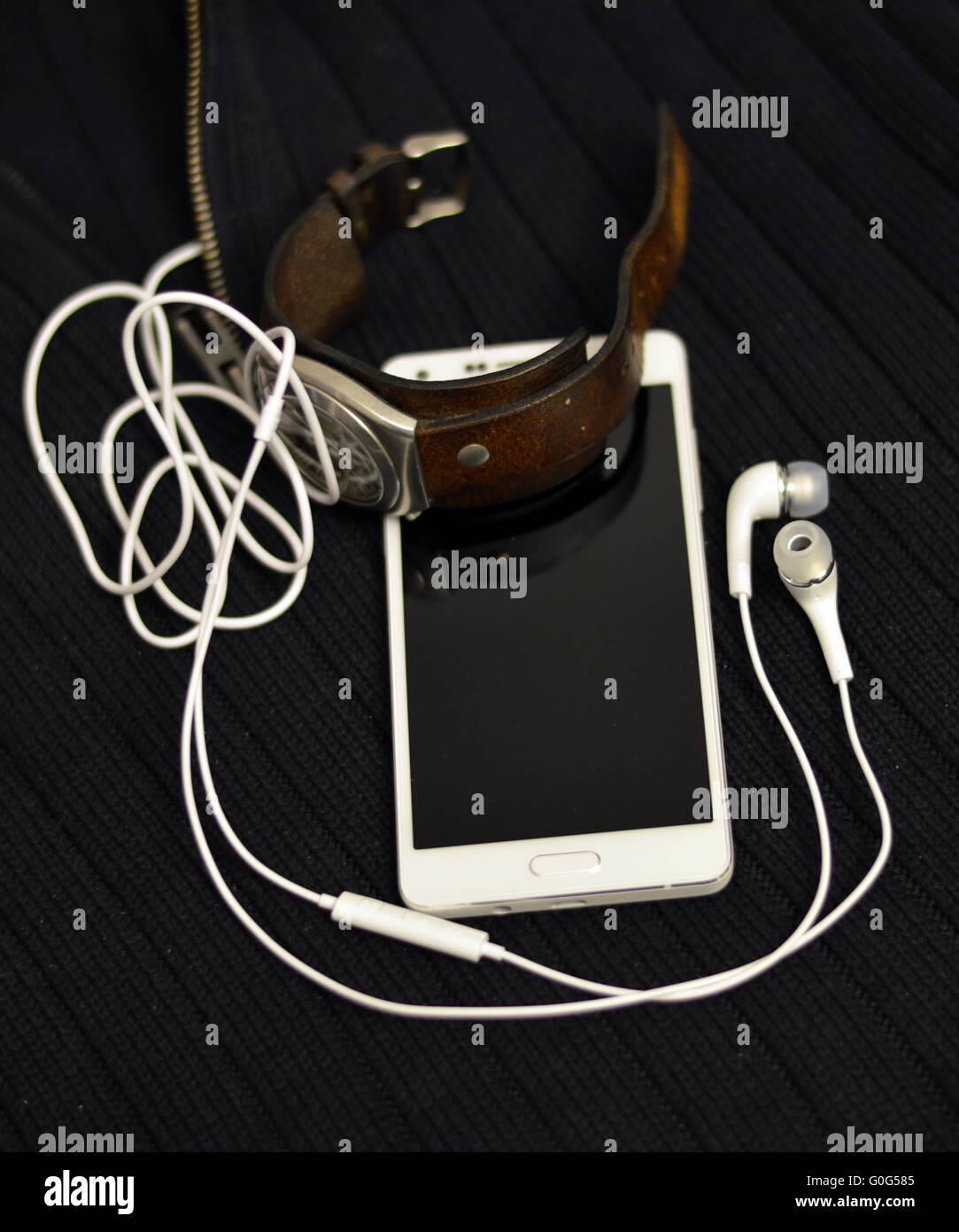 Smartphone et retro watch Photo Stock