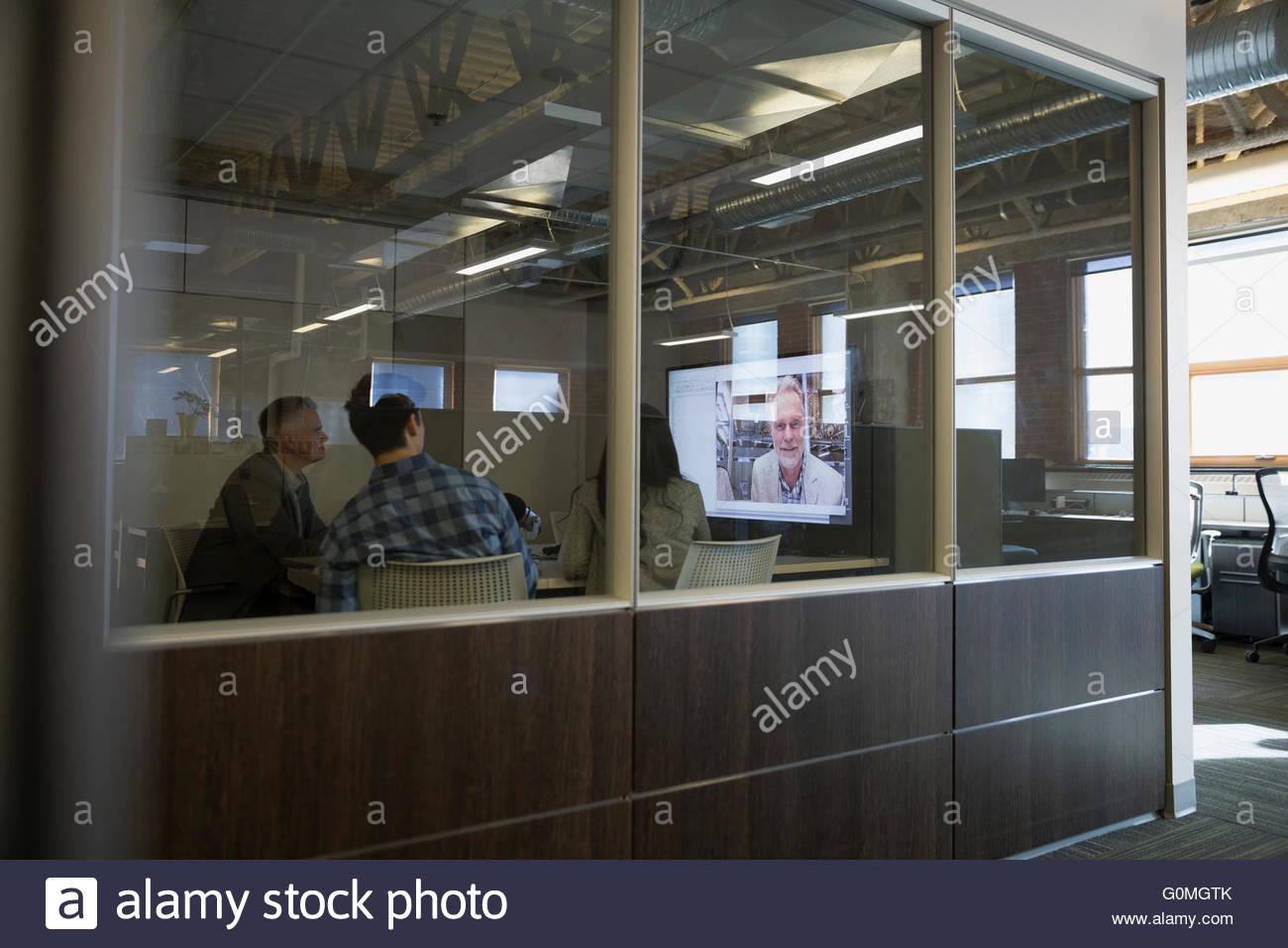 Les gens d'affaires réunion conférence vidéo Photo Stock