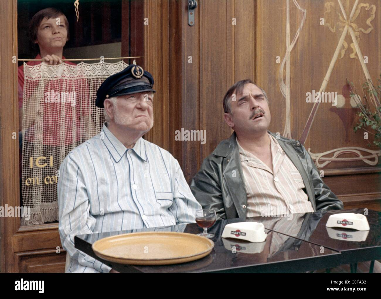 Jean Gabin, Jacques Marin et Eric Damain / le drapeau noir vagues de l'accon / 1971 réalisé par Michel Audiard (Marianne Banque D'Images