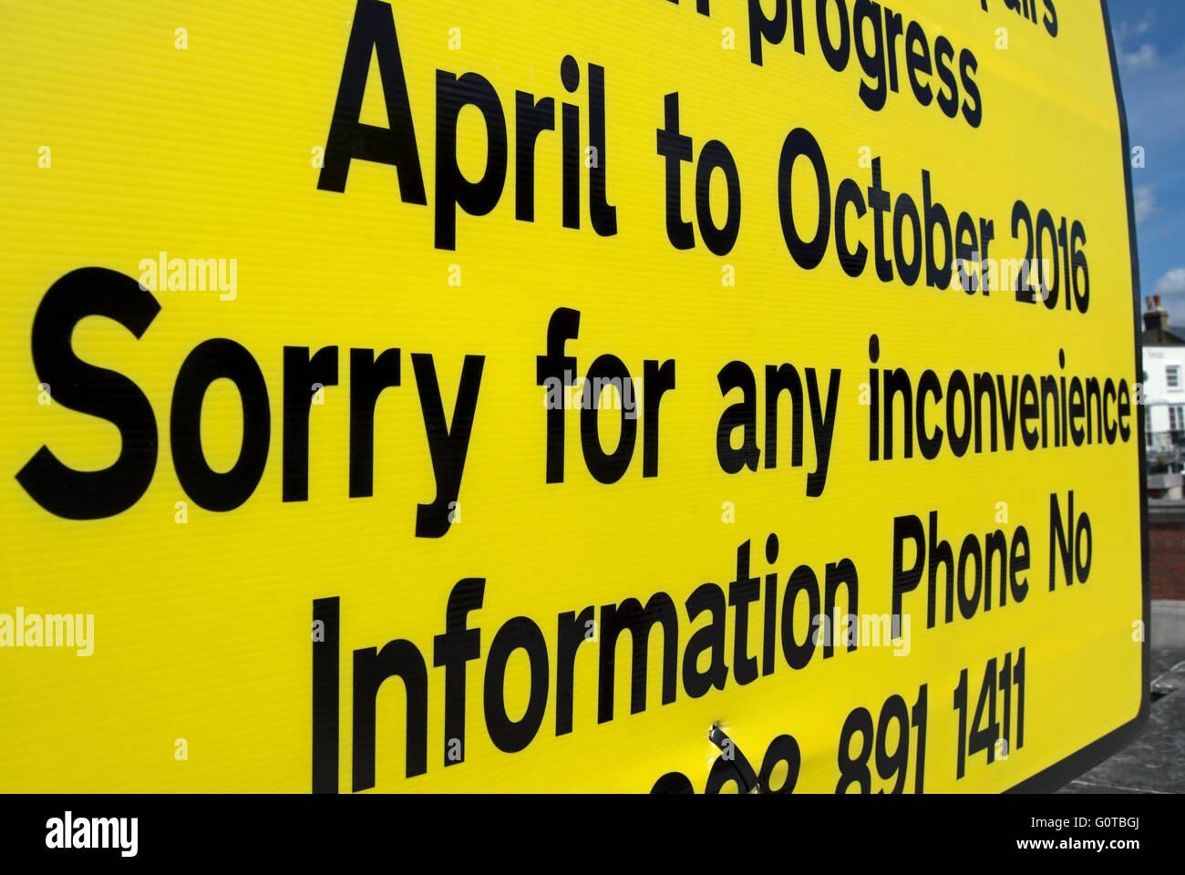 Désolé pour ce désagrément, libellé Détail de l'autorité locale s'excusant Photo Stock