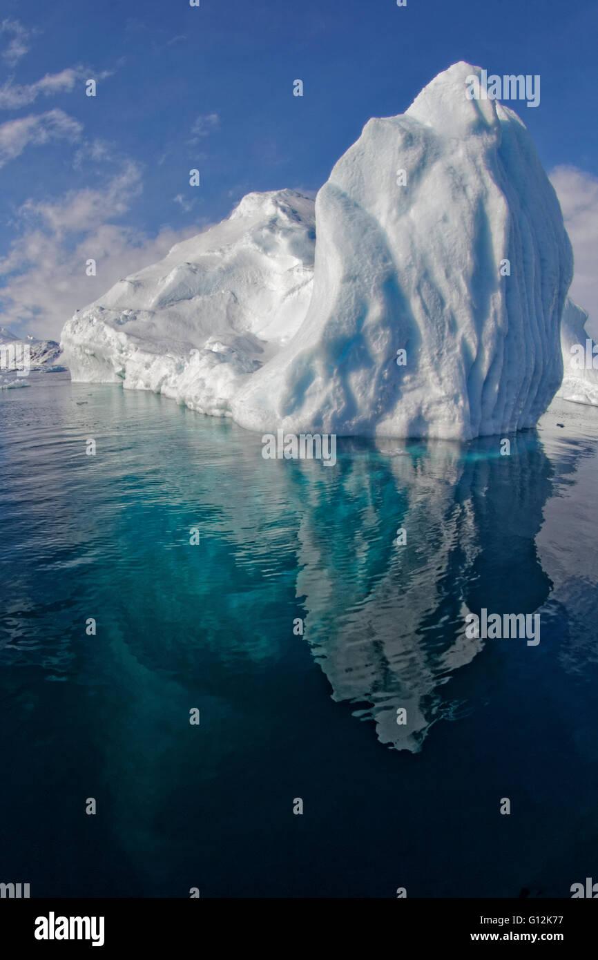 Iceberg au fjord Sermilik, Tasiilaq, Groenland Photo Stock