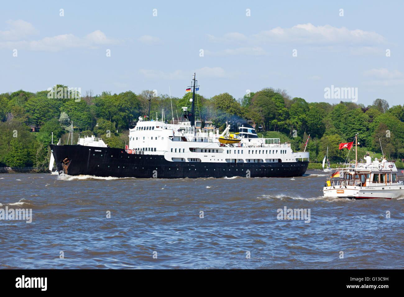 Formation historique norvégien SJØKURS bateau sur l'elbe pendant 827e anniversaire du Port, Hambourg, Photo Stock