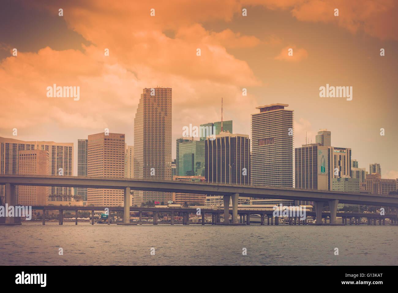 Miami Floride skyline avec ton retro vintage Photo Stock