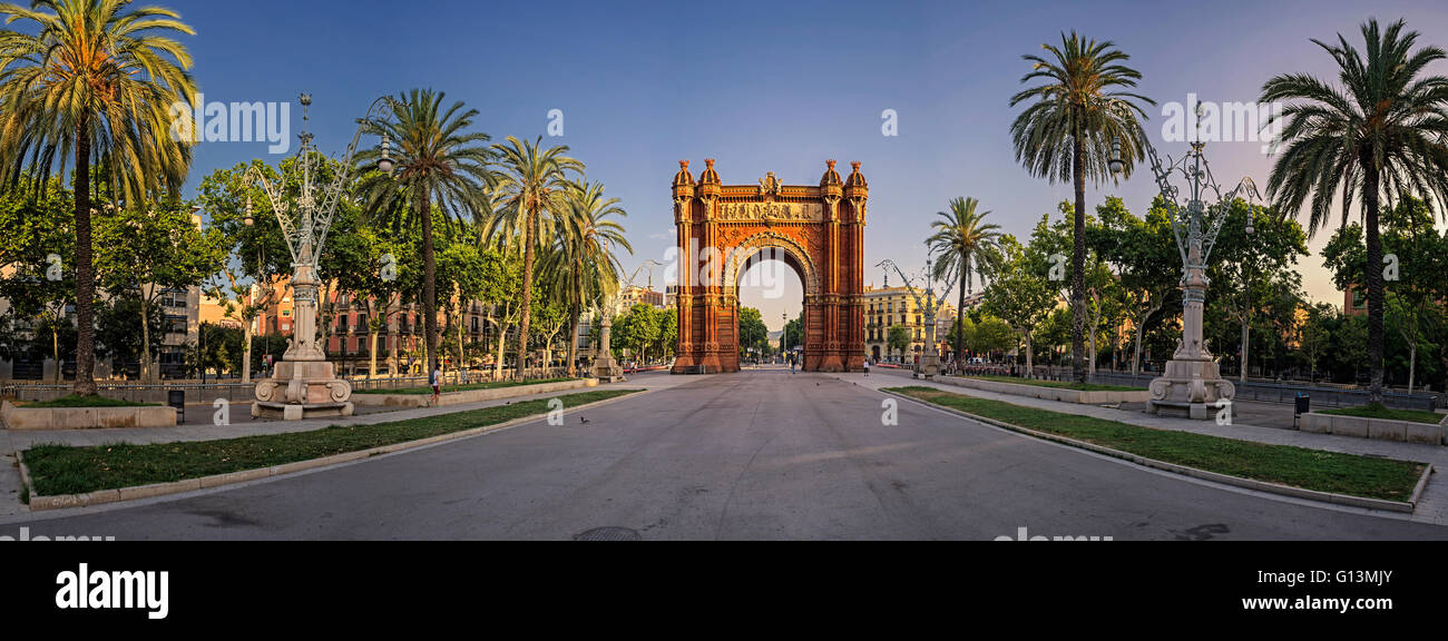 Vue panoramique de l'Arc de Triomf, Barcelone, Espagne Photo Stock