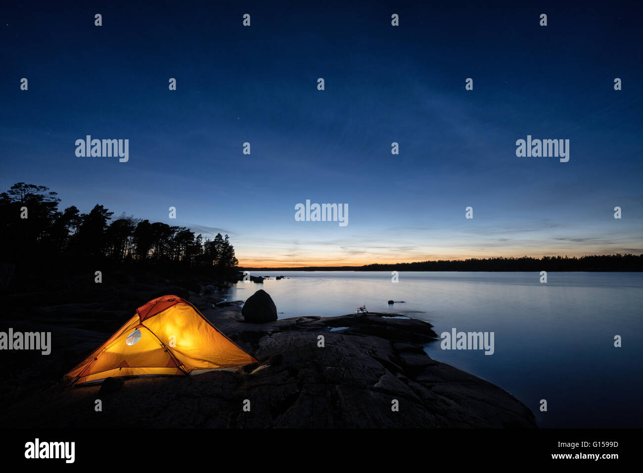 Le camping sur l'île Tallholmen, Loviisa, Finlande, Europe, UNION EUROPÉENNE Photo Stock