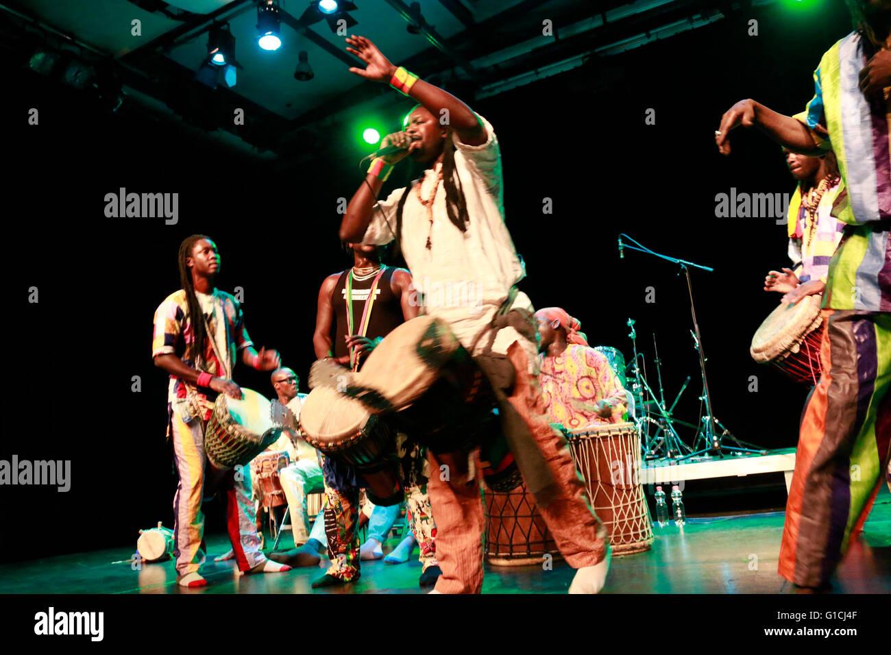Nago Koite und SAF SAP (Sénégal) - Global Drums Festival, Werkstatt der Kulturen, 17. 08 janvier 2015, Photo Stock