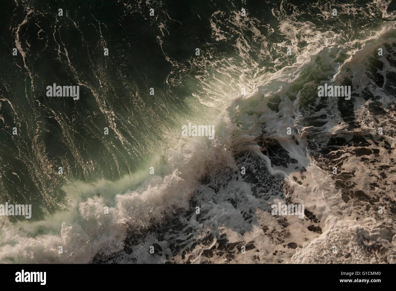 Déferlante, péninsule Satsuma, l'île de Kyushu, Japon Photo Stock