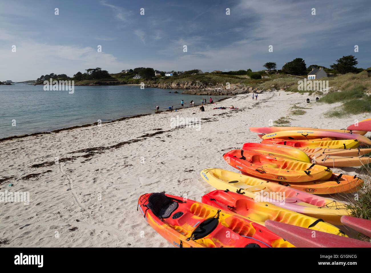 Une plage de Porz Iliz au sud-est de l'île, Ile de Batz, près de Roscoff, Finistère, Bretagne, France, Europe Banque D'Images