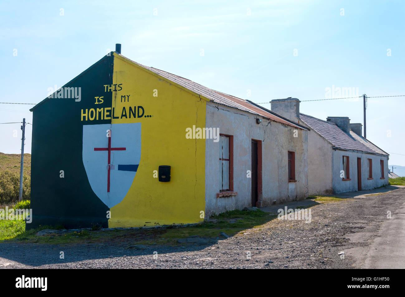 Fresque sur mur de cottage en Rosbeg, comté de Donegal, Irlande Photo Stock