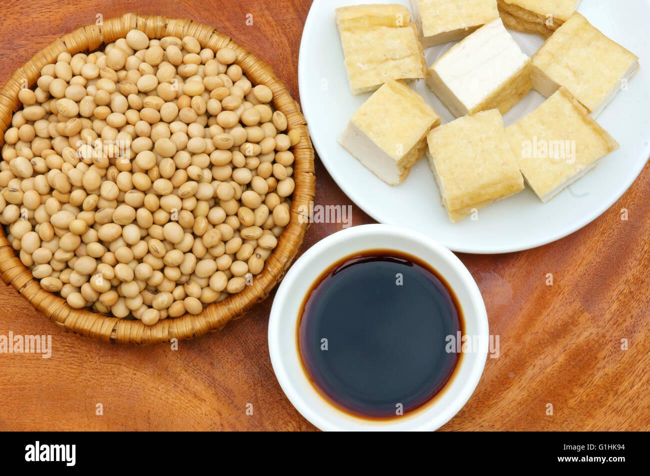 Le soja, riche en protéines, vitamines, acides amin, un orgaric, bon marché, la nutrition produit, processus Photo Stock