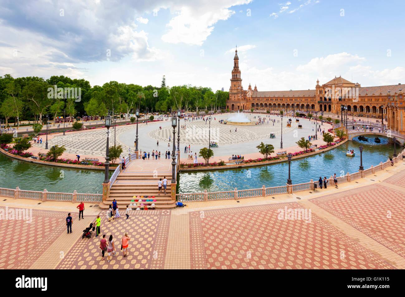 Vue grand angle de la Plaza de España, Séville, Espagne Photo Stock