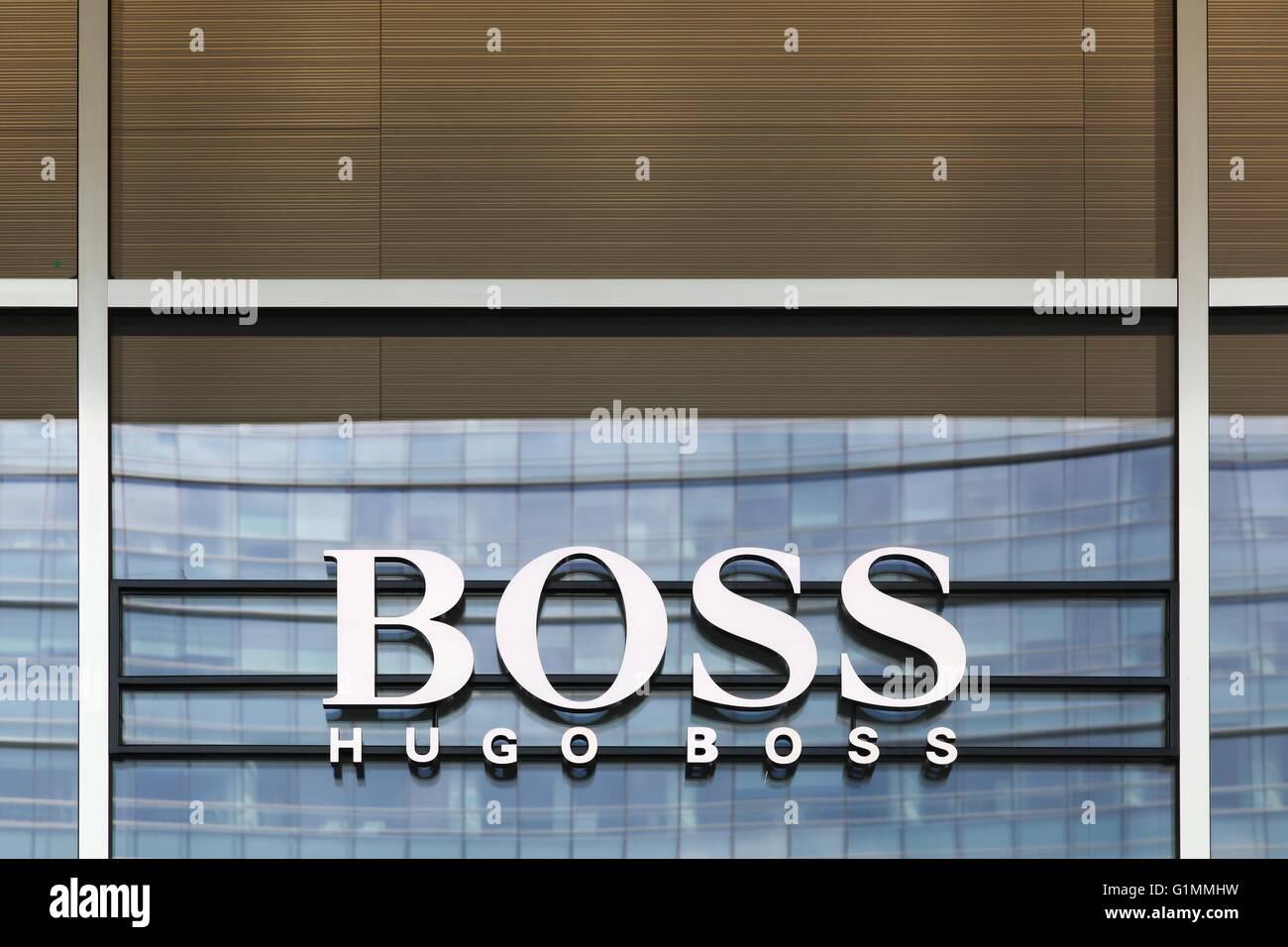 Hugo Boss Perfume Photos   Hugo Boss Perfume Images - Alamy 479988de583a