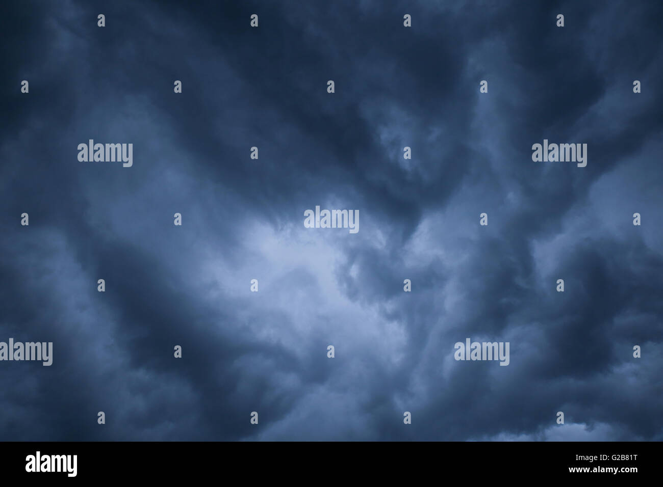 Abstract dark cloud background,tonifiant Photo Stock