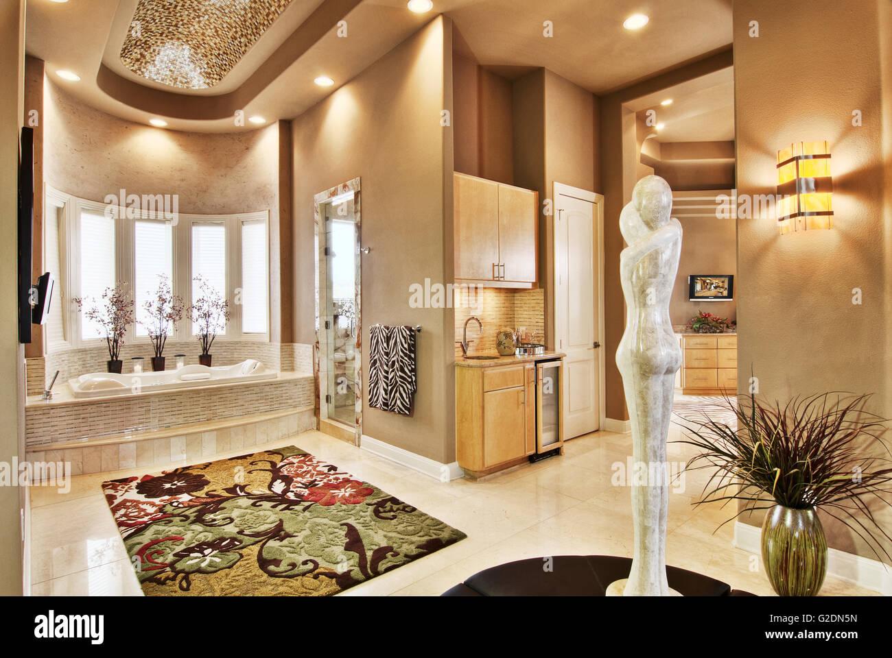 Grande salle de bains de luxe Banque D\'Images, Photo Stock ...