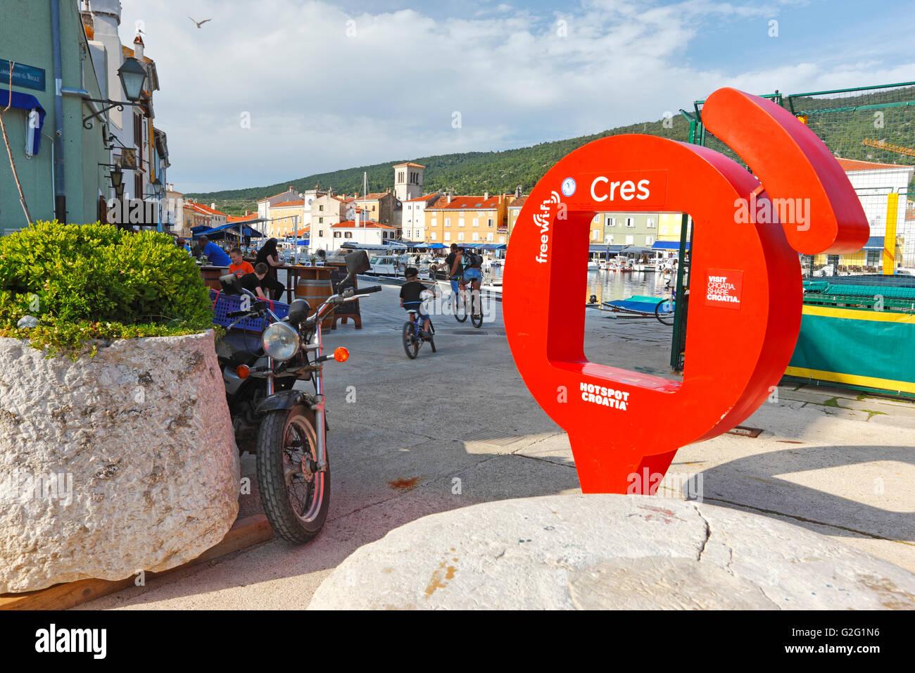 Connexion Wi-Fi au réseau local, connexion Wi-Fi dans la ville de Cres Photo Stock