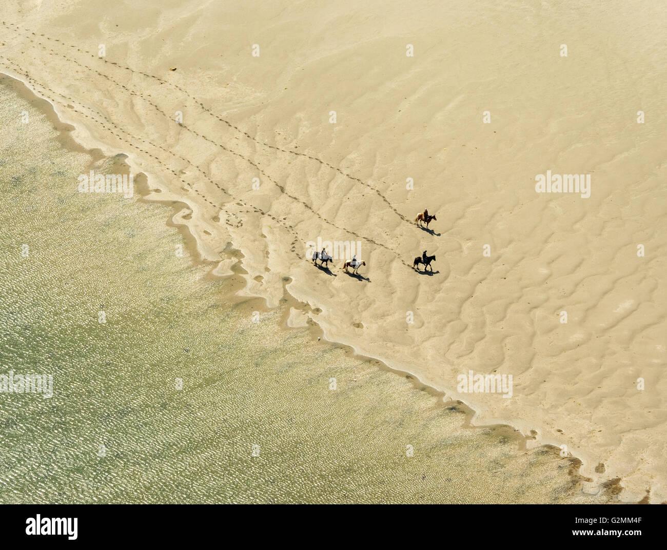Vue aérienne, Galway Rusheen Bay avec l'équitation sur la plage, Atlantic Beach, plage de sable, Galway, Photo Stock