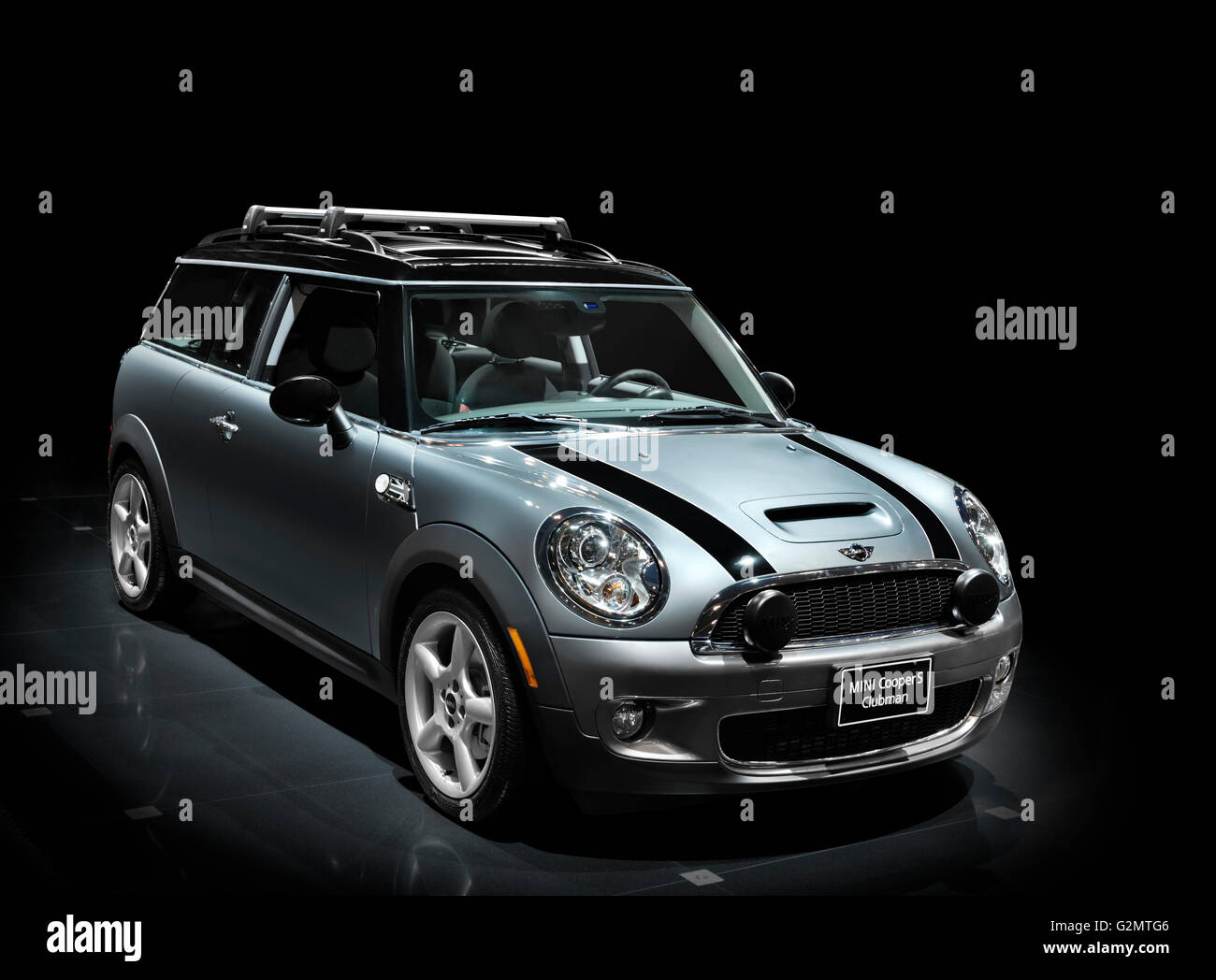 2009 Mini Cooper S Clubman Banque Dimages Photo Stock 104949830