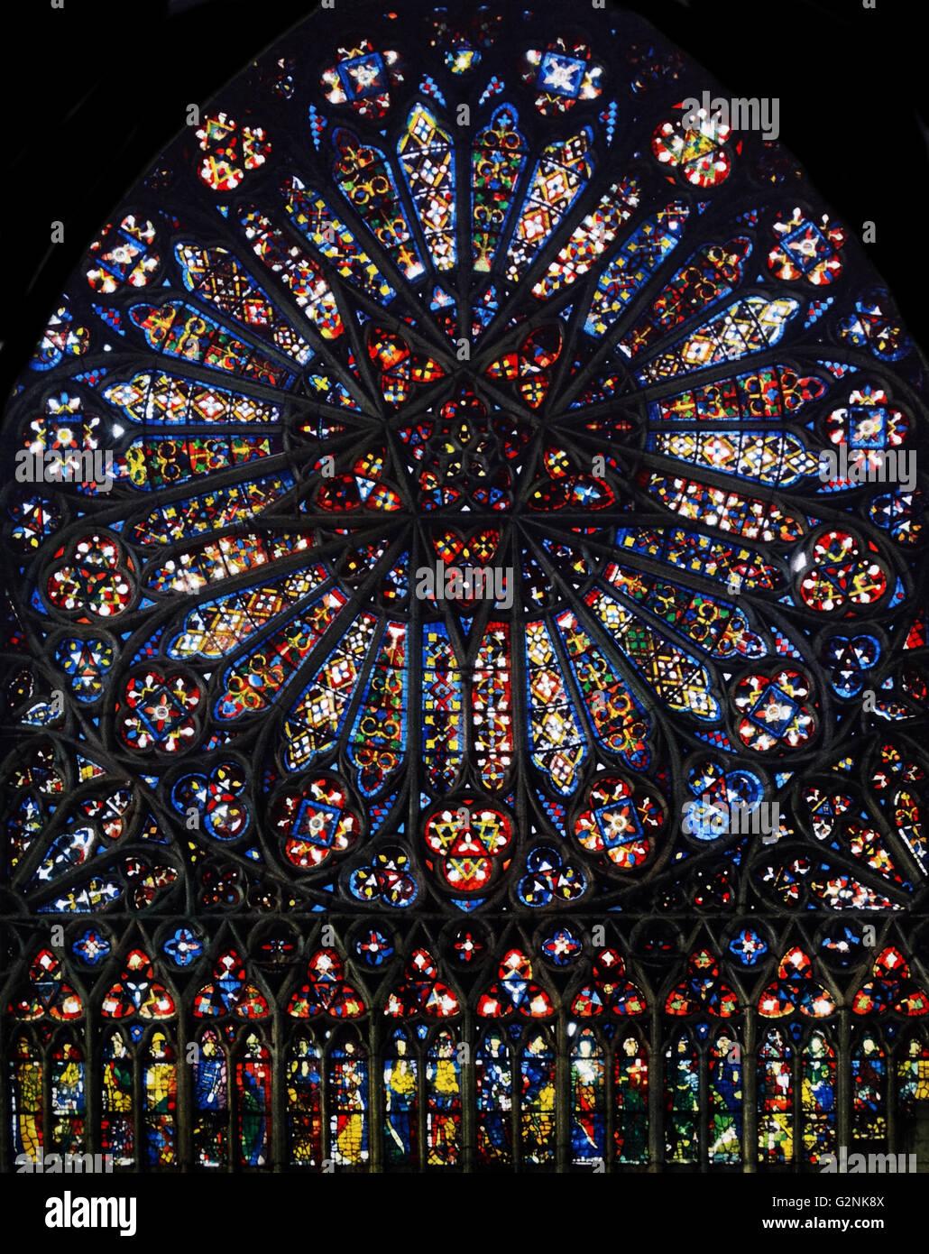 Vitraux Fenêtre Rose De La Cathédrale Damiens France 14e Siècle
