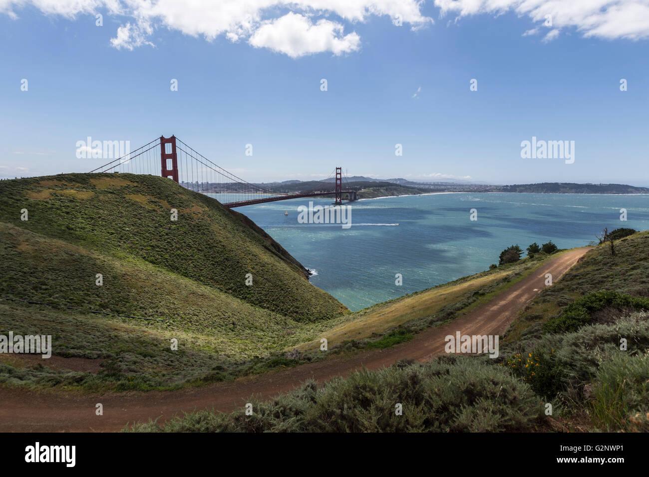 Marin Headlands coteaux vue sur le pont du Golden Gate National Recreation Area Photo Stock