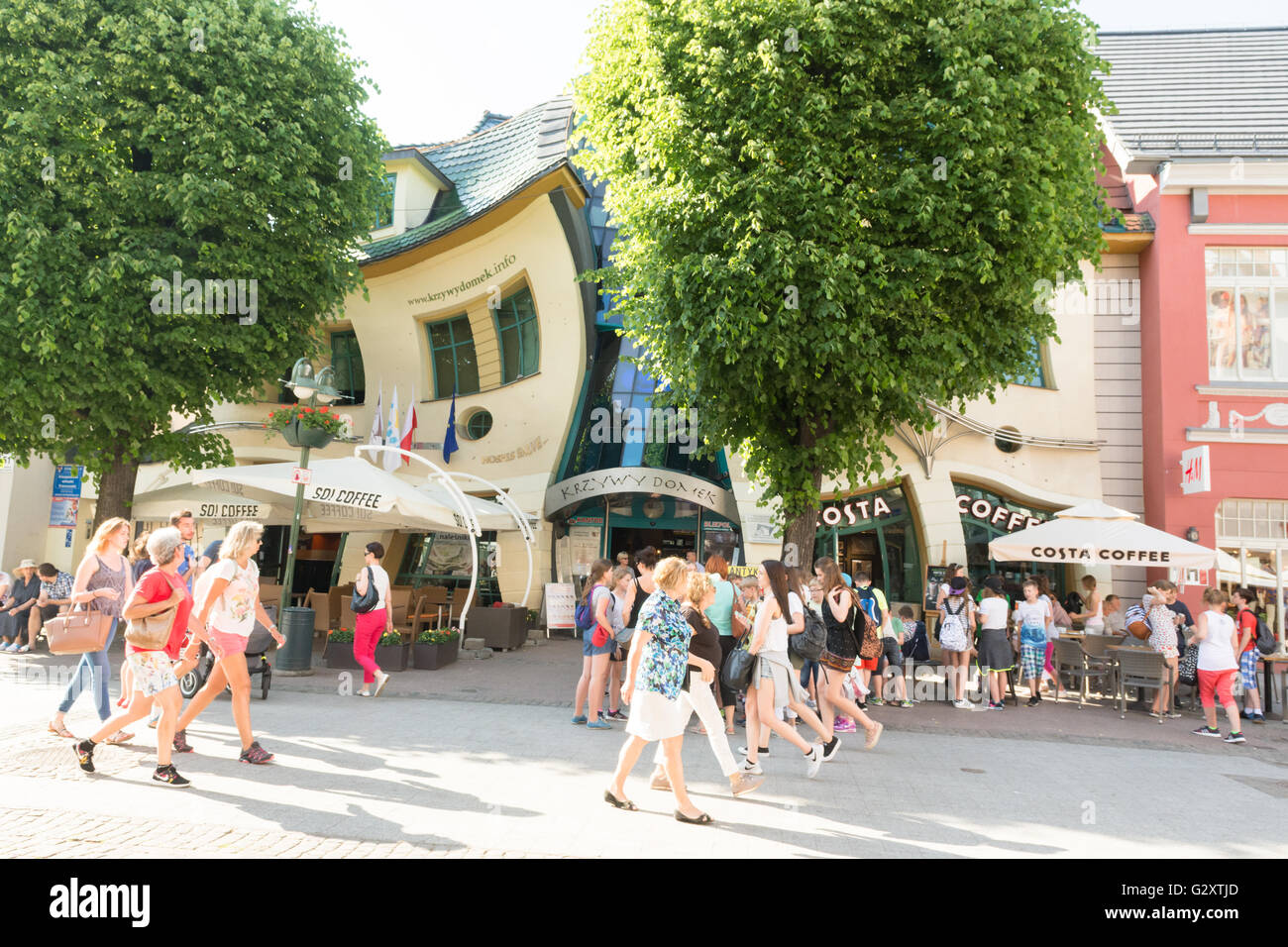 La maison tordue (Krzywy Domek Crooked House Sopot Costa Café dans l'Est de l'Occidentale, Pologne Photo Stock