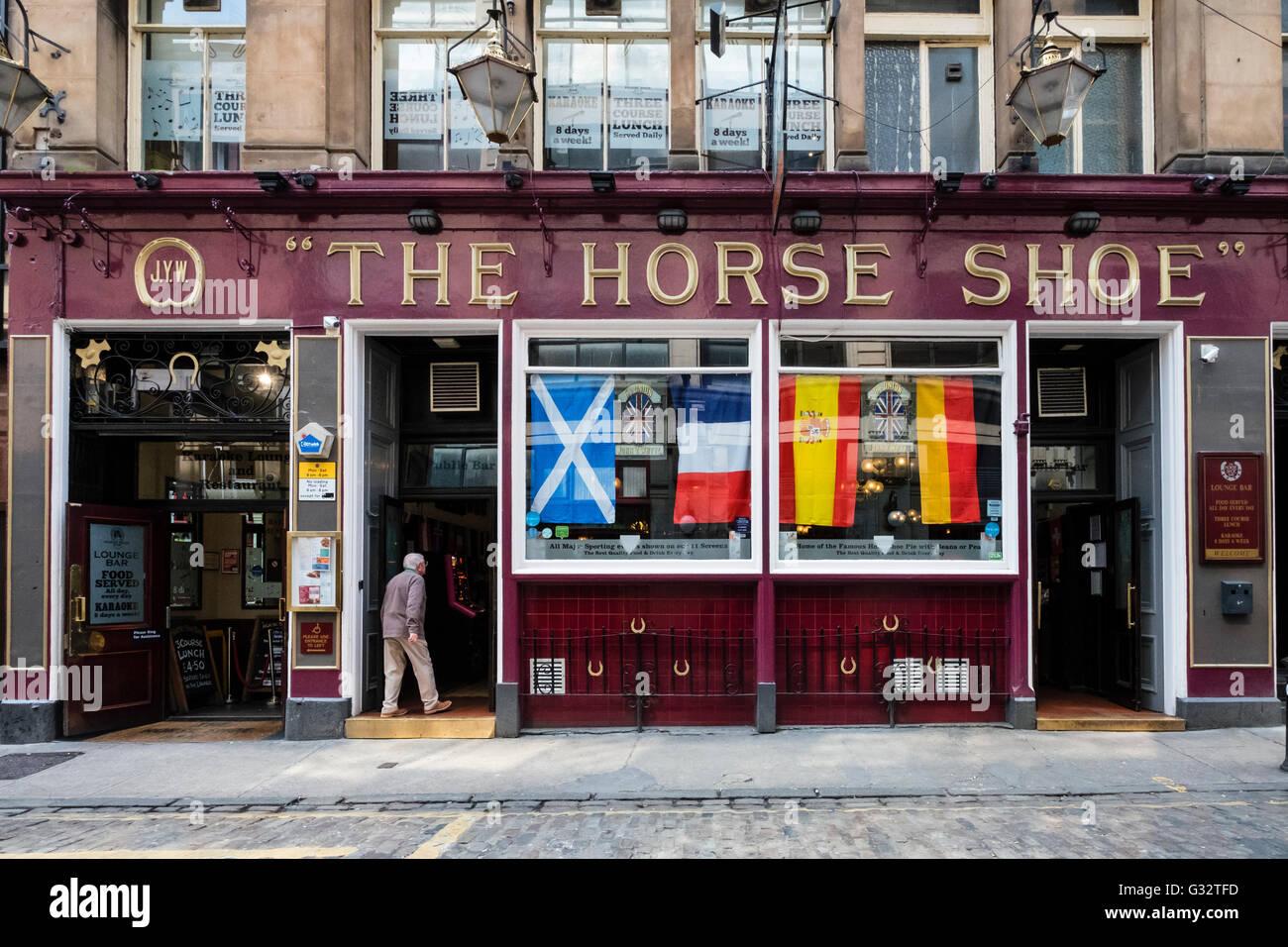 L'extérieur du célèbre Horseshoe Bar à Glasgow, Ecosse, Royaume-Uni Banque D'Images