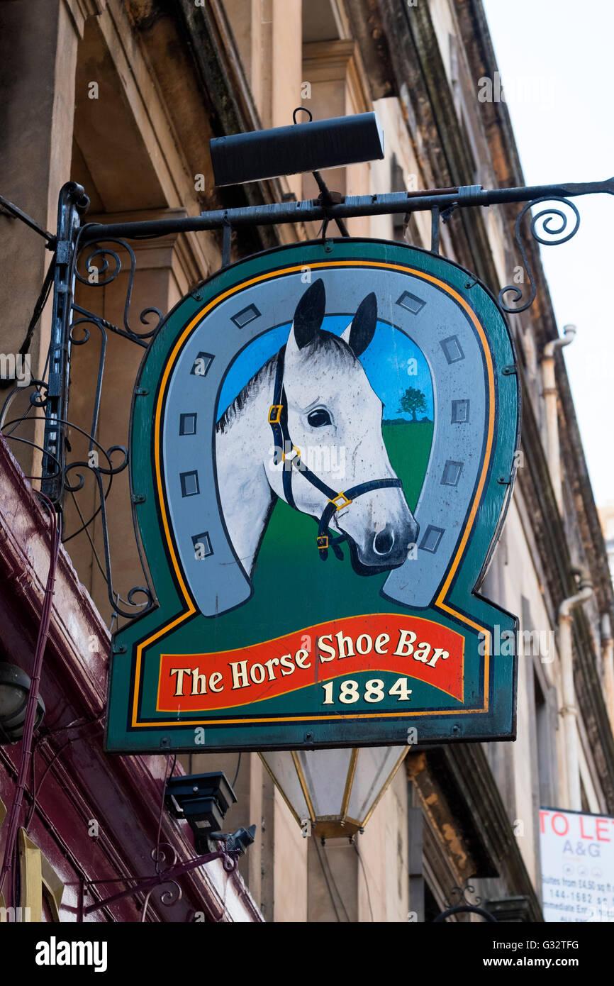 Enseigne à l'extérieur célèbre Horseshoe Bar à Glasgow, Ecosse, Royaume-Uni Banque D'Images