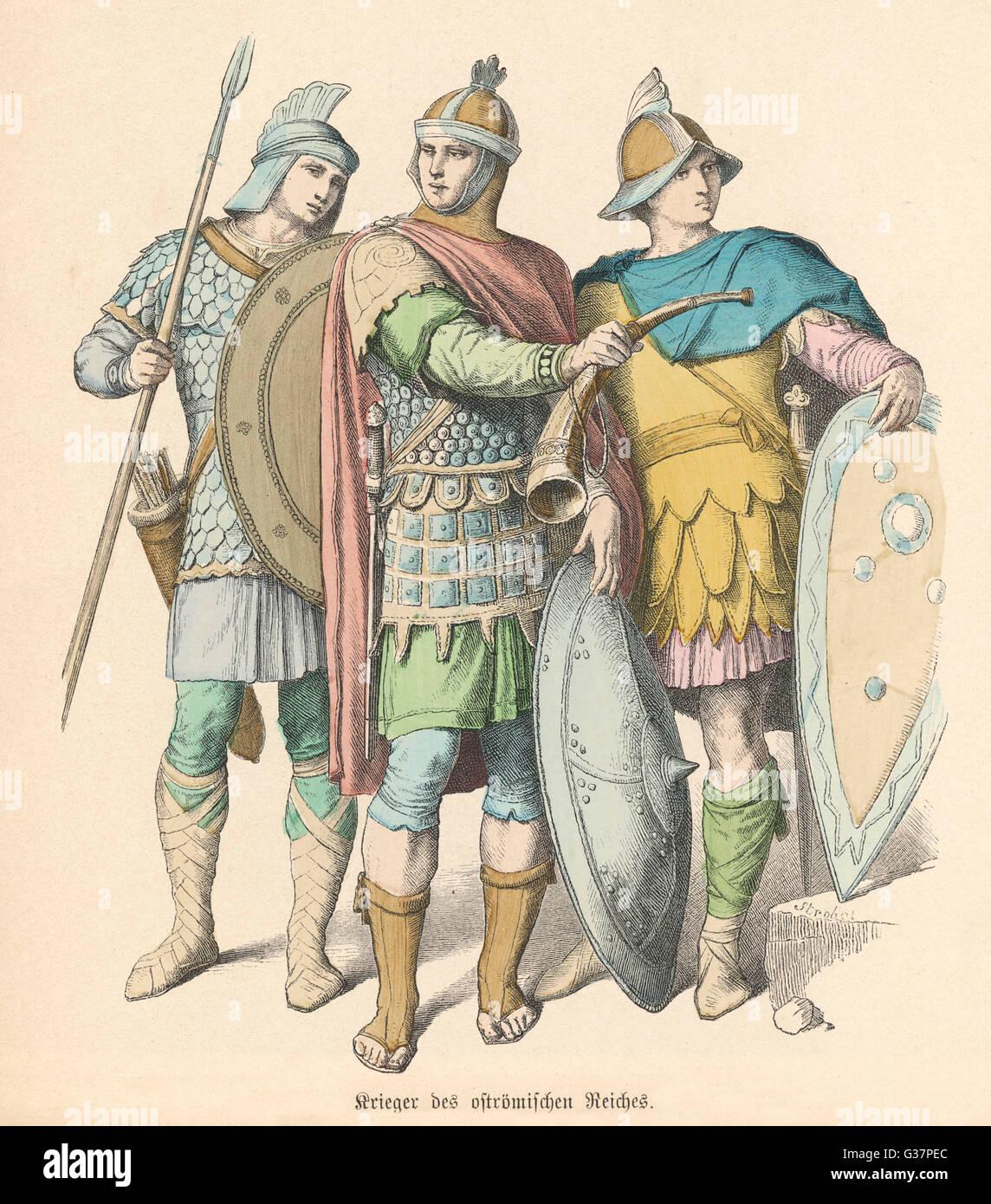 Un officier et deux de ses hommes de l'Empire romain Photo Stock